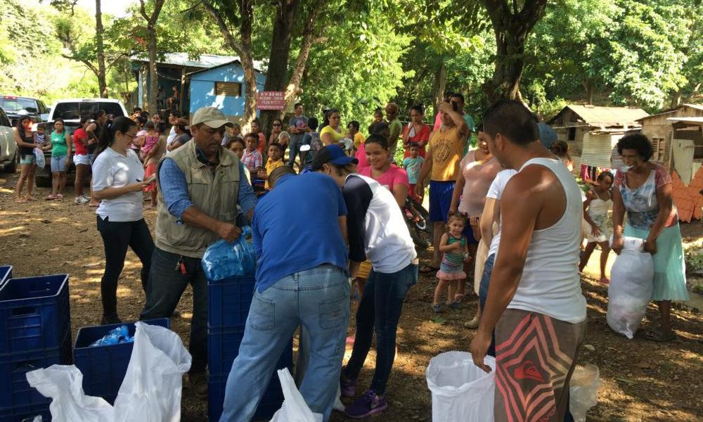Entrega de víveres a comunidades en Rivas afectadas por Tormenta